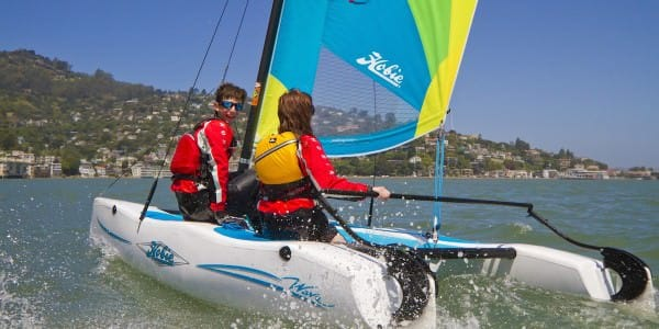News-2015-09-Hobie Catamaran Design-Featured